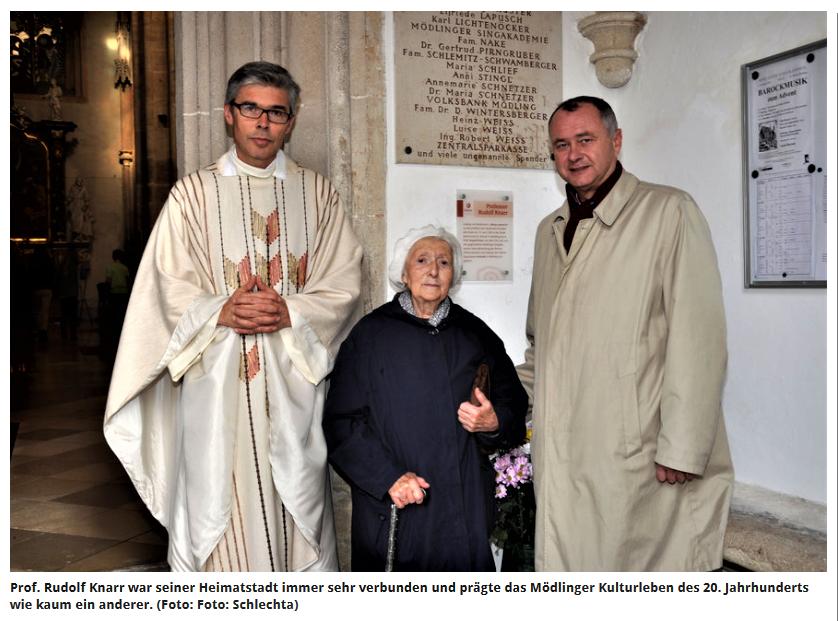 Witwe von Rudolf Knarr mit Pfarrer Richard Posch und Bürgermeister Hans Stefan Hintner