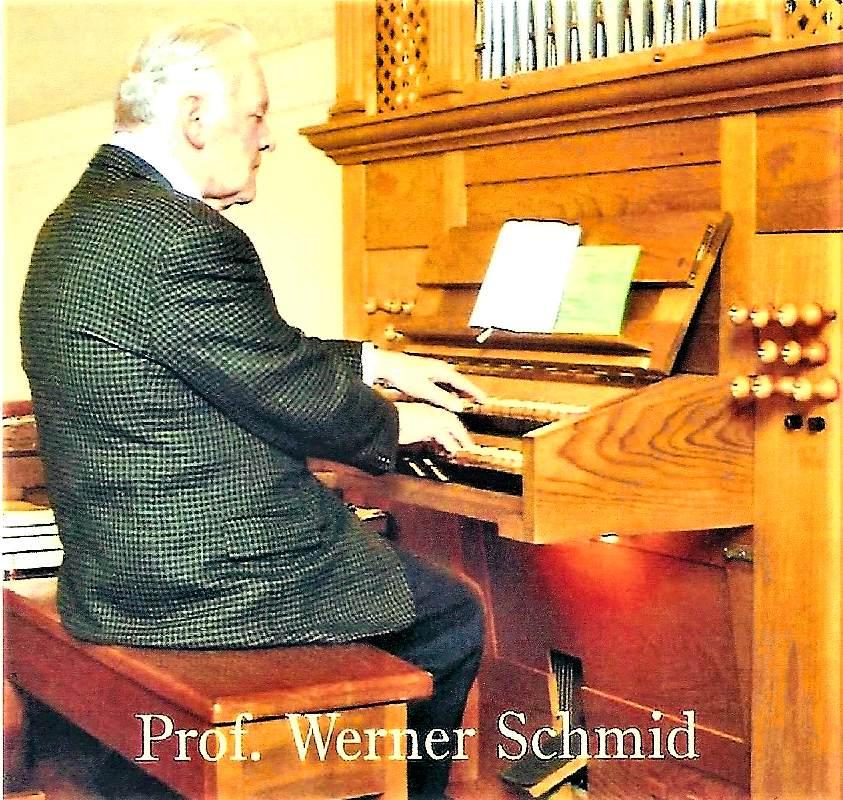 Werner Schmid an der Orgel der evangelischen Kirche Mödling